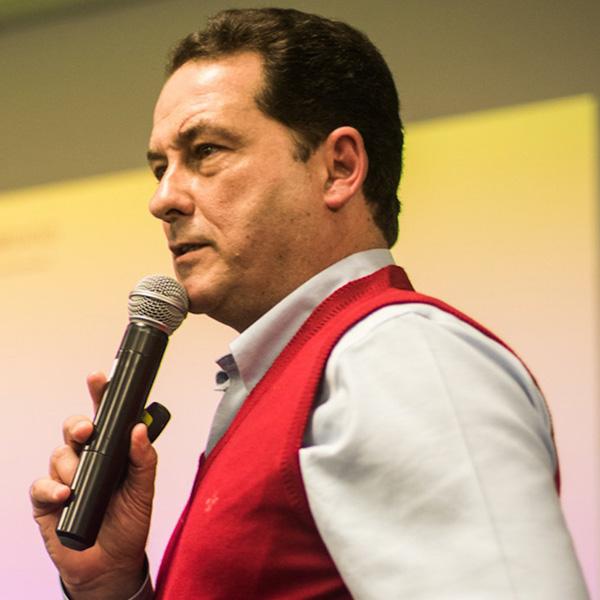 Roberto Aylmer